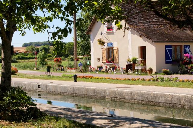 sluiswachtershuis canal du nivernais